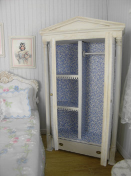Cottage Chic Bedroom Set with Custom Embroidery - Click Image to Close