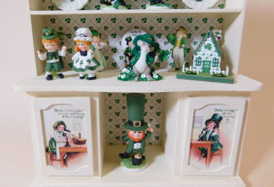 Luck o' the Irish 1/12 Scale Filled Hutch - Online Class and Kit - Click Image to Close